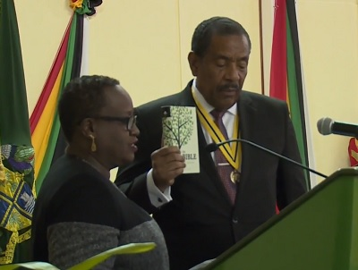 Savarin sworn in as President once more